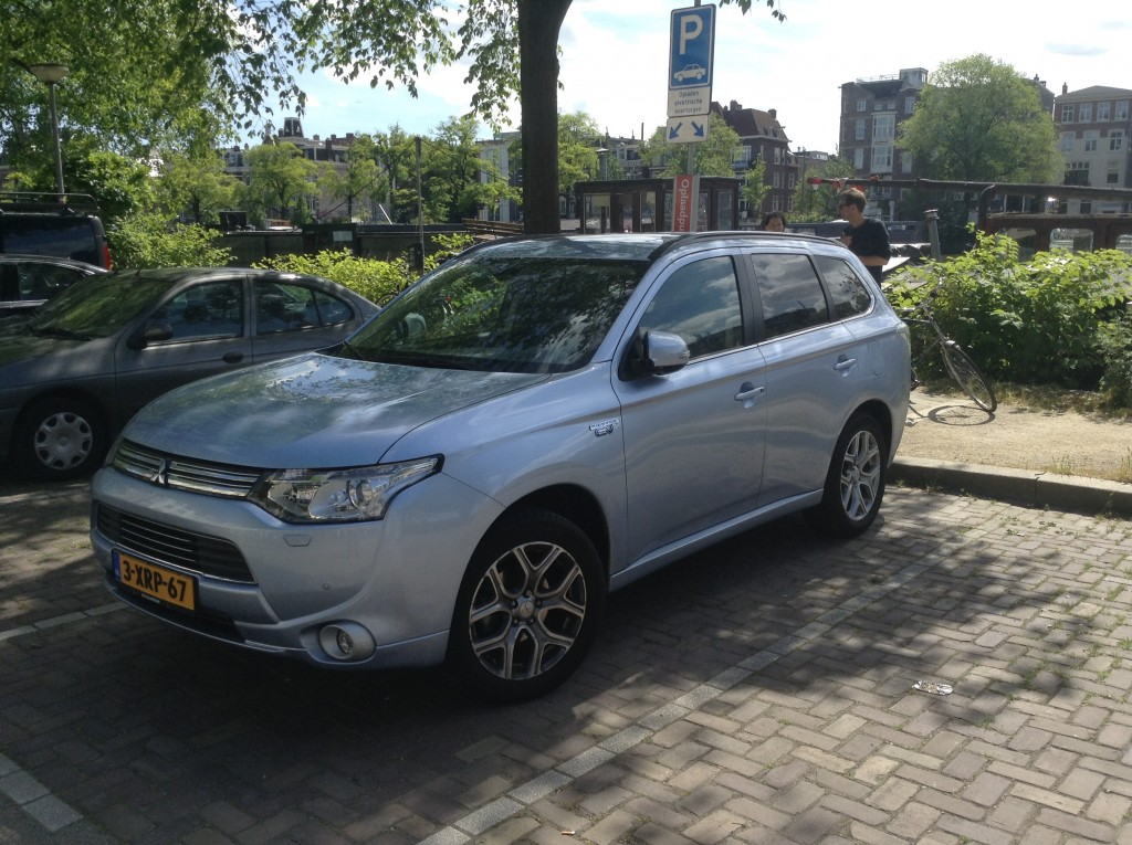 Mitsubishi-Outlander-Plug-In-Netherlands-8